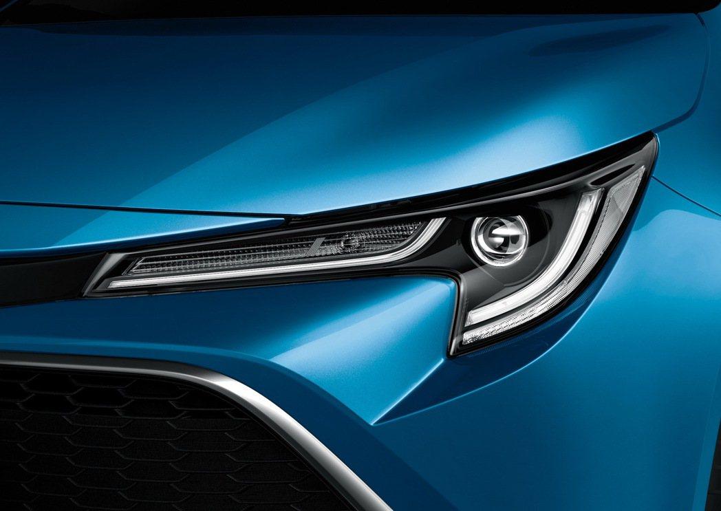 科技感十足的LED光條式尾燈組。 圖/和泰汽車提供