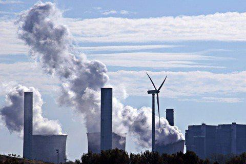 「綠色金融行動方案2.0」鼓勵金融機構對有助環境、社會、公司治理(ESG)永續發...