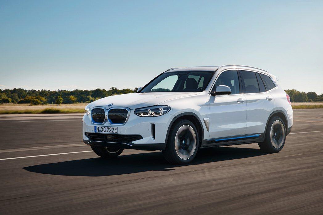 BMW iX3是品牌第一款純電休旅。 摘自BMW