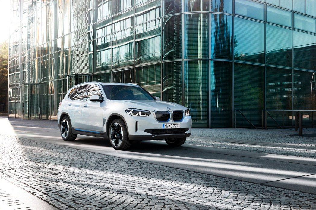 BMW iX3將於華晨寶馬於中國瀋陽的工廠進行生產作業,其也將成為BMW第一款從...