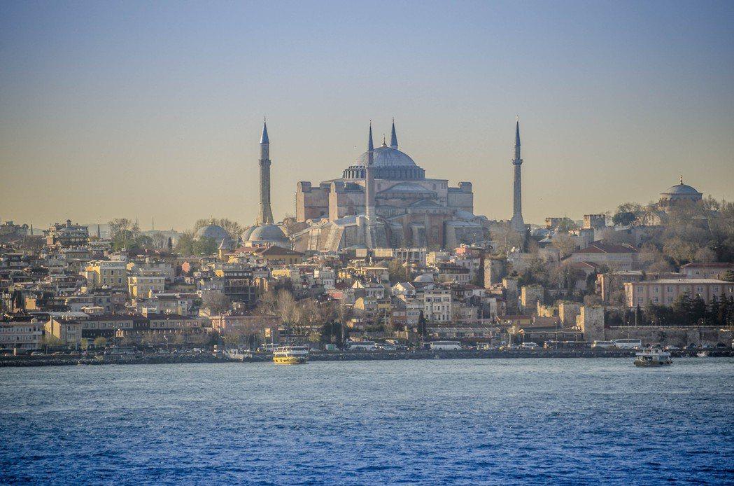 土耳其的聖索菲亞大教堂已經有約1,500的歷史。日前,土耳其政府決定將現為博物館...