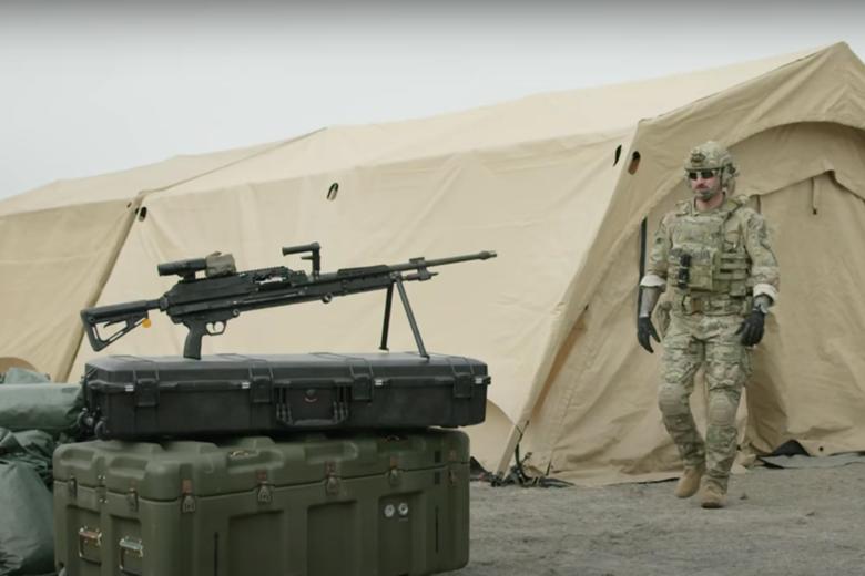 可摺疊槍托及降低重量,比前代機鎗更容易攜帶。 圖/擷自西格&紹爾公司影片