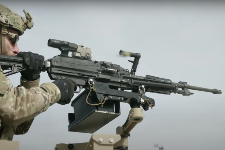 射程加長,加裝額外瞄具已是必要。 圖/擷自西格&紹爾公司影片