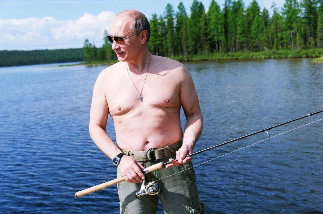 過去十年俄羅斯的經濟早已不斷下滑,疫情又讓民生受到極大影響,「普丁即俄羅斯」真的...