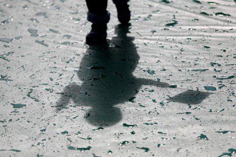 黃天豪/疾病淬鍊出深刻洞見:《正午惡魔——憂鬱症的全面圖像》