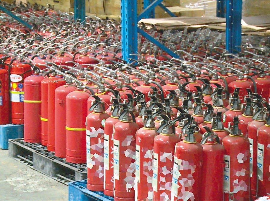 立委陳椒華說,乾粉滅火器的填充物含有致癌物二氧化矽,消防署表示正做資料蒐集,將再...