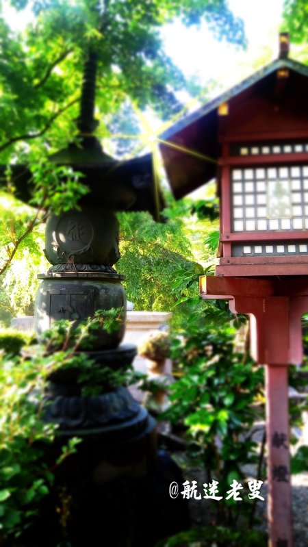 我對於憾滿之淵的楓葉和溪流印象最為深刻, 七月初就能看見楓紅,空氣好、景色佳, 是一個四季分明的地方,景色有點類似台灣的各地的山中廟宇, 也都有一份沉靜的美感。