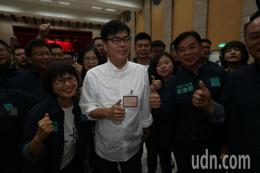 陳其邁陣營喊「一馬當先」、「第一名的市長」記者劉學聖/攝影