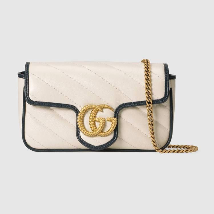 GG Marmont 白色皮革迷你翻蓋包,35,600元。圖/GUCCI提供