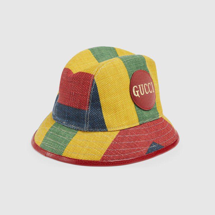 拚色條紋漁夫帽,16,900元。圖/GUCCI提供