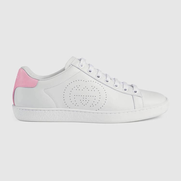 New Ace 淡粉色塊裝飾白色球鞋,21,200元。圖/GUCCI提供