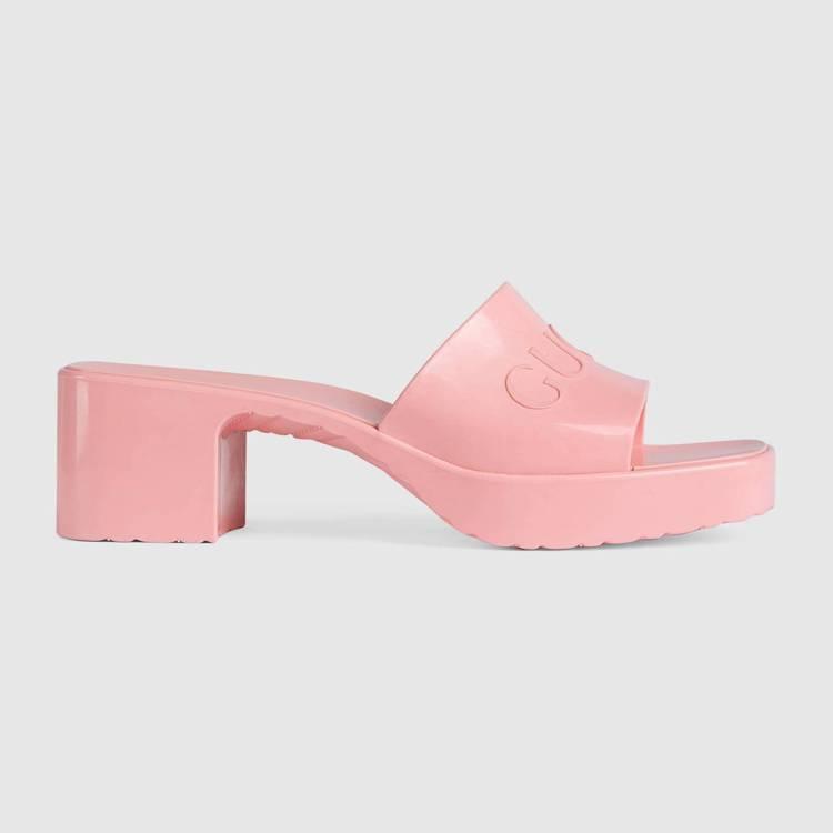 粉紅橡膠低跟拖鞋,11,200元。圖/GUCCI提供