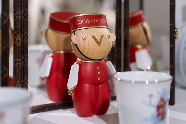 可愛的路易威登門僮Gaston。圖/LV提供