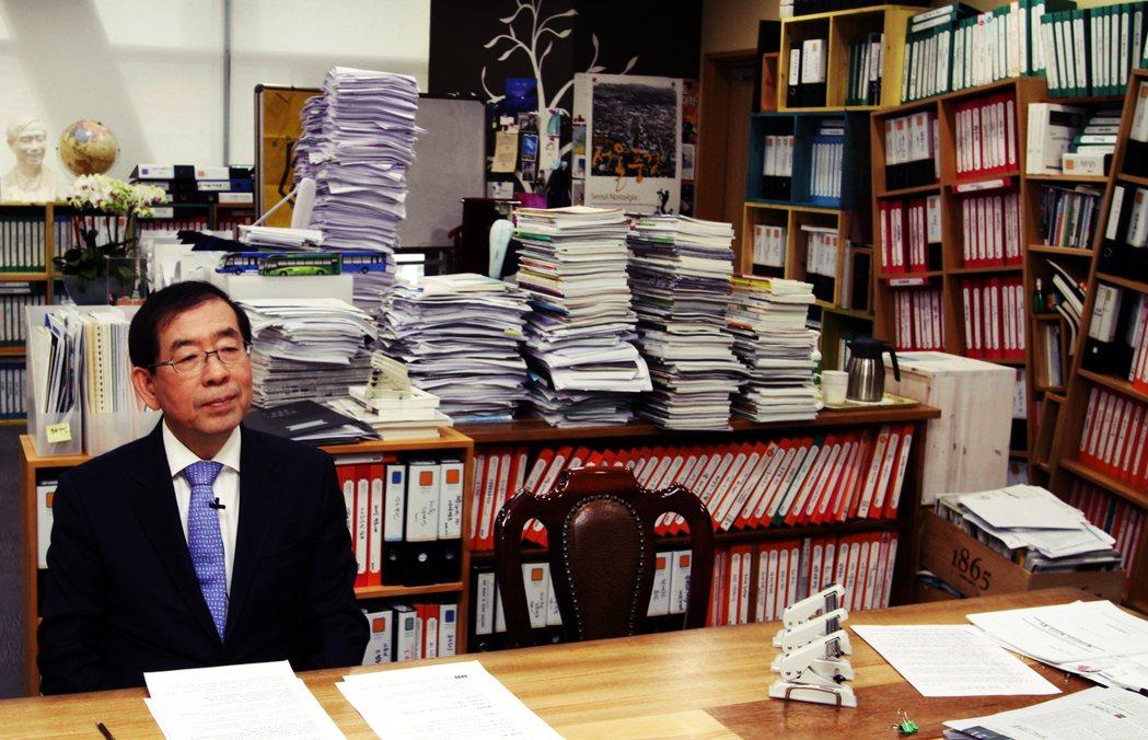 任洵英輔佐官表示,自己並不知性騷擾已被立案,事先也不知市長究竟是發生了什麼狀況。...