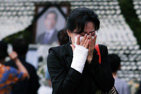 衝擊南韓的首爾市長朴元淳之死與性騷擾醜聞風暴,在其死後留下了一連串的責任謎團與爭...