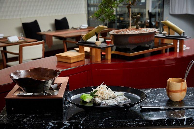 Ukai Kaiseki懷石主食首度獻上《鰻魚雜炊》,以美不勝收的劇場式桌邊服務...