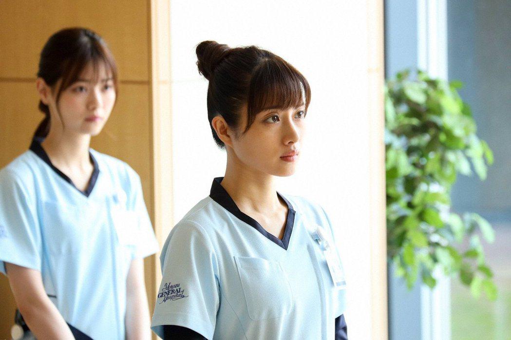 石原聰美主演「默默奉獻的灰姑娘藥師」。圖/擷自推特
