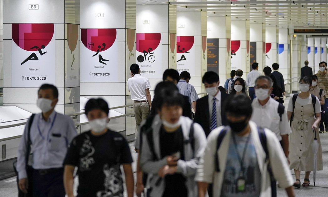 日本2019冠狀病毒疾病(COVID-19)疫情持續升溫,包括東京都、大阪府及神...