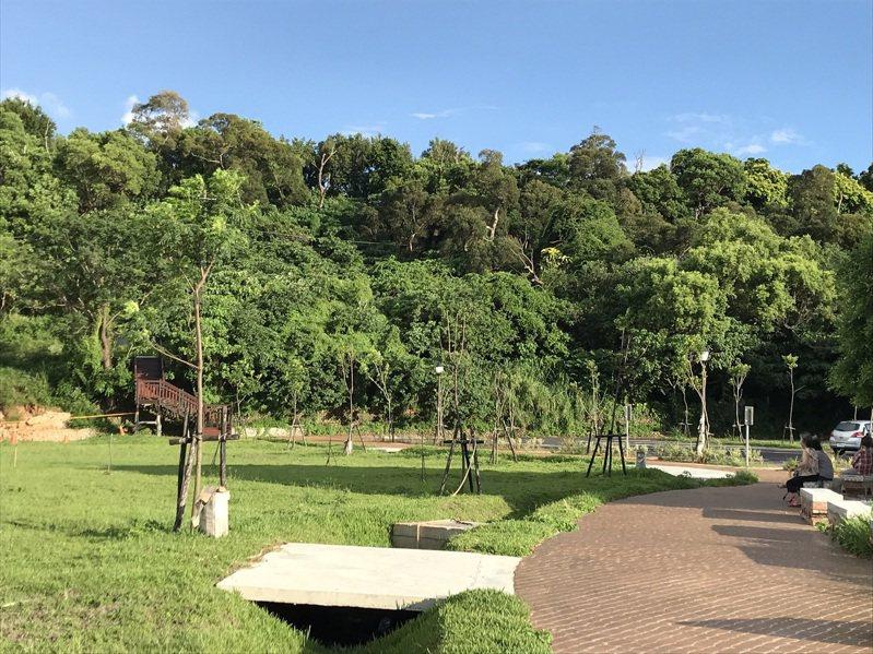 八卦山上的民族新村的公園步道。圖/彰化縣政府提供