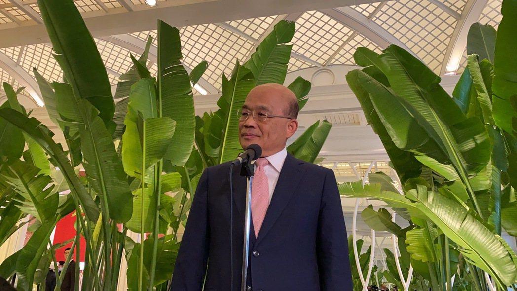行政院長蘇貞昌今天下午回應媒體詢問「三倍券發放,有點像回到口罩之亂,綠營內部也有...