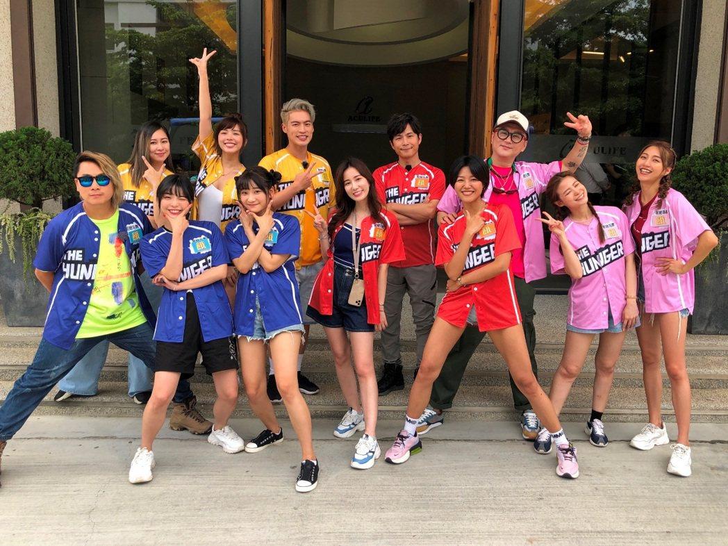 (由左至右)王仁甫、張棋惠、一隻阿圓、林餅乾、愛莉莎莎、許孟哲、Apple、孫協