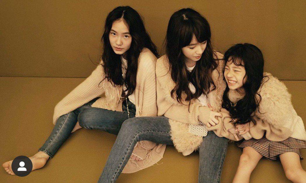 小S 3個女兒難得合體拍攝時尚照片。圖/摘自IG