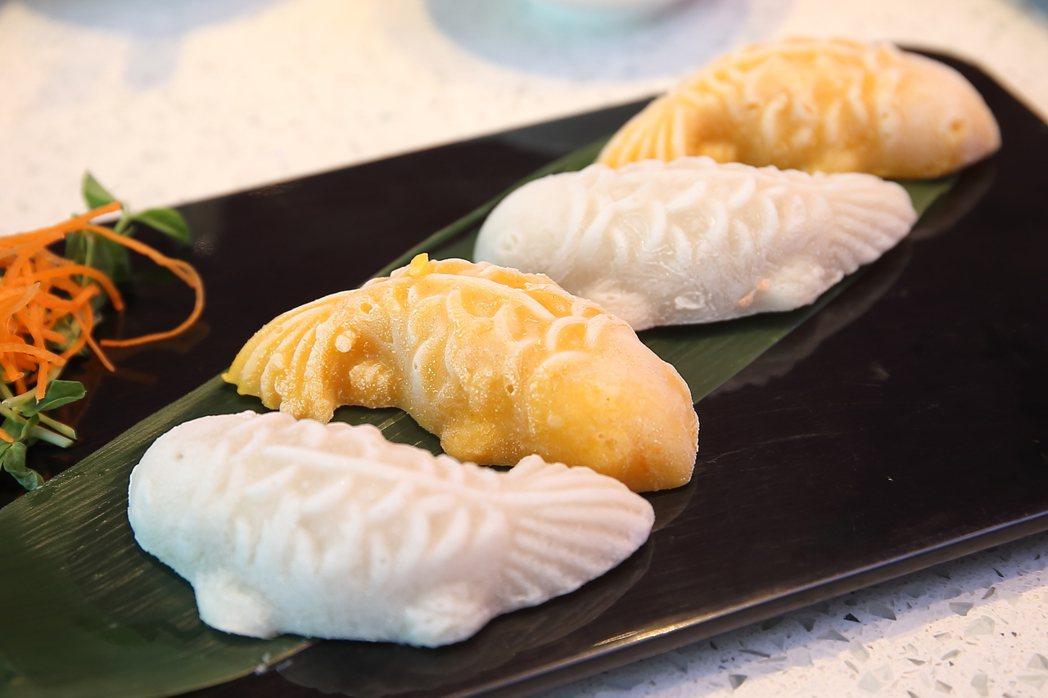 加入南瓜所推出的「南瓜口味雙魚豆腐」。記者陳睿中/攝影