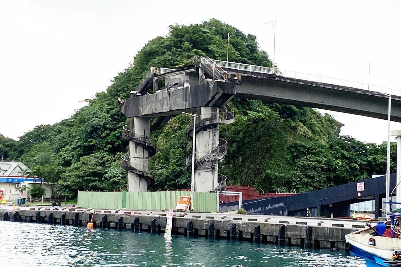 南方澳下月建新橋 舊引橋昨開拆