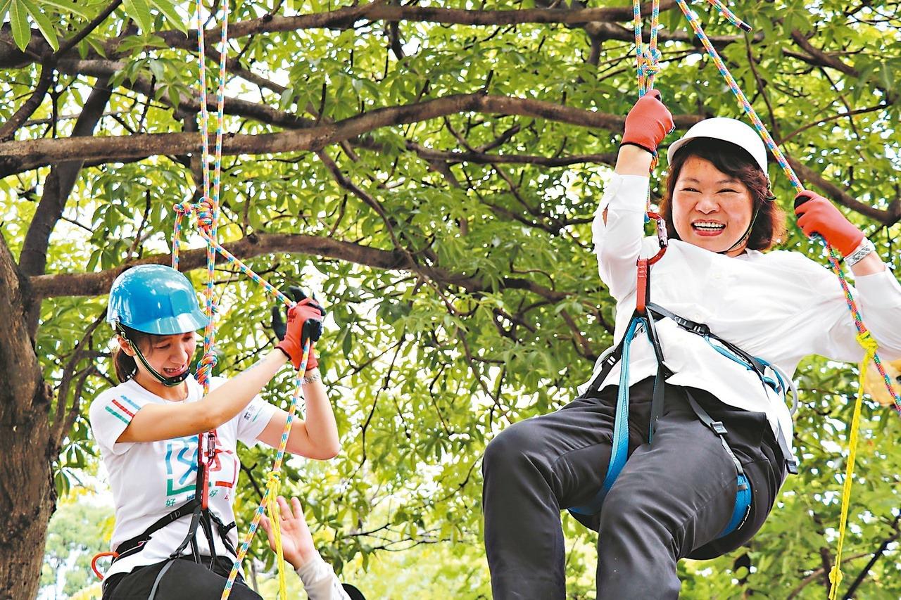 嘉市「科學168」 攀樹吊高3公尺