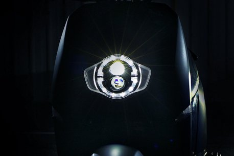 這次換車頭!eReady智慧雙輪公布LED圓燈造型