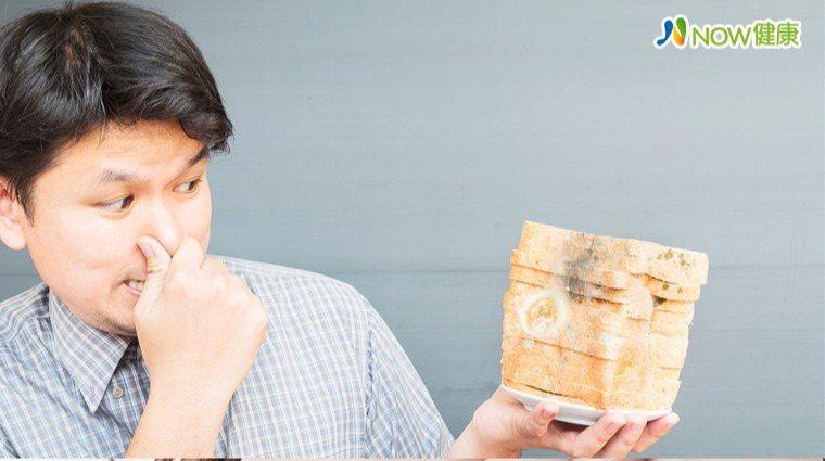 ▲台大醫學院毒理學教授姜至剛提醒,氣溫30度以上正好是引起食物中毒細菌滋生適合溫...