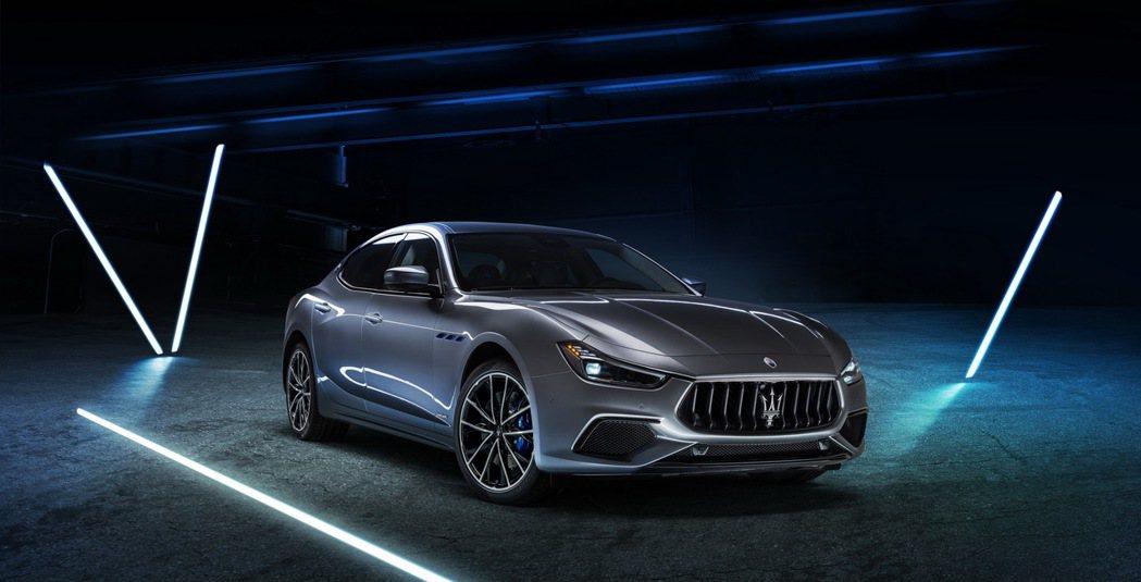 Maserati Ghibli Hybrid揭開了品牌進入電動化的新篇章。 摘自...