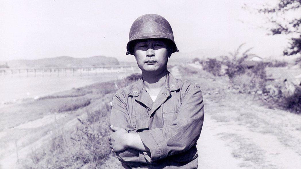 原本身在平壤的白善燁,在金日成掌權之後擔憂被清算的可能,1945年12月24日白...