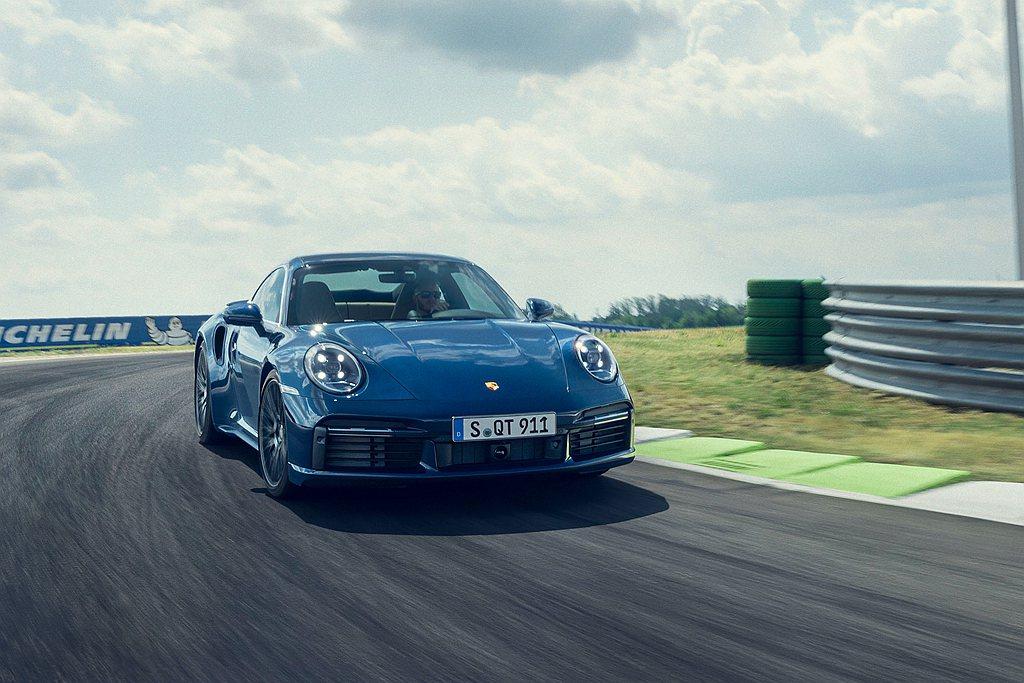 繼強悍的全新保時捷911 Turbo S登場之後,911 Turbo也在日前正式...