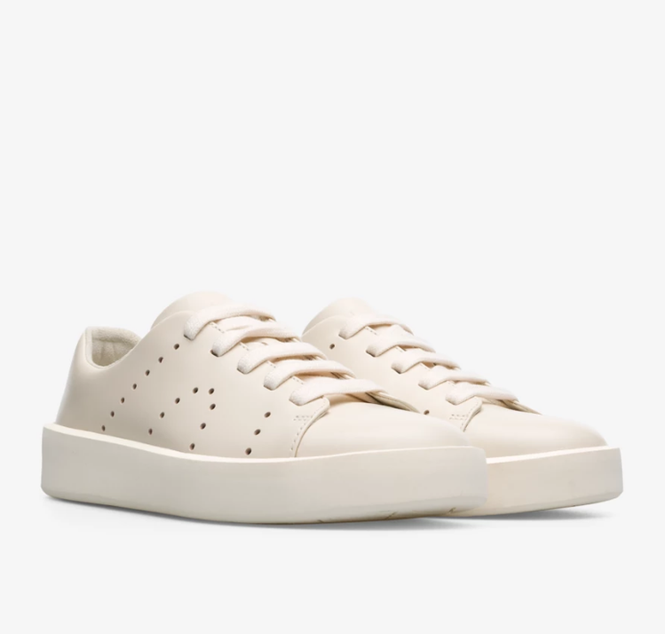 CAMPER Courb系列白鞋/NT,680(女鞋) 圖/VOGUE提供