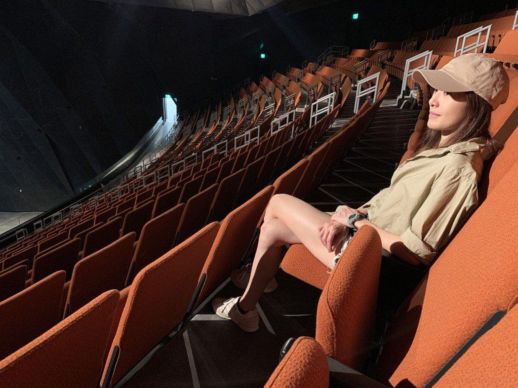 蘇慧倫將於9月12日於北流舉辦首場大型售票個唱「生命之花」,日前逛場館喊腿軟。圖...