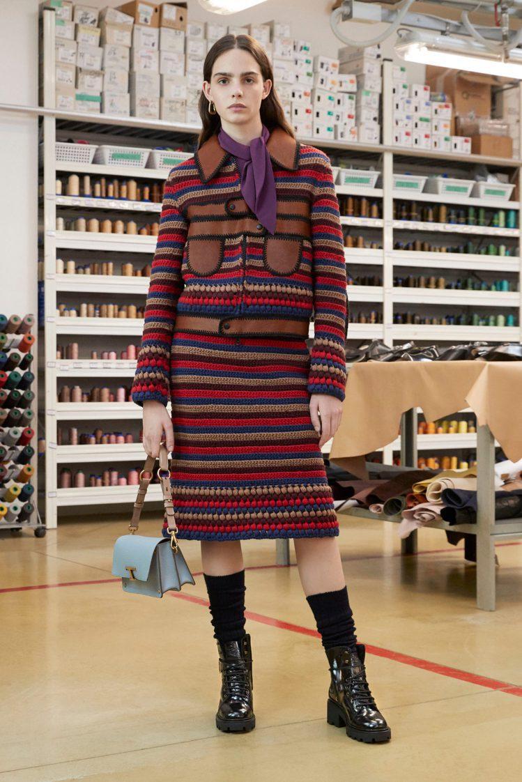 展現精緻工藝的及膝半身裙。圖/TOD'S提供