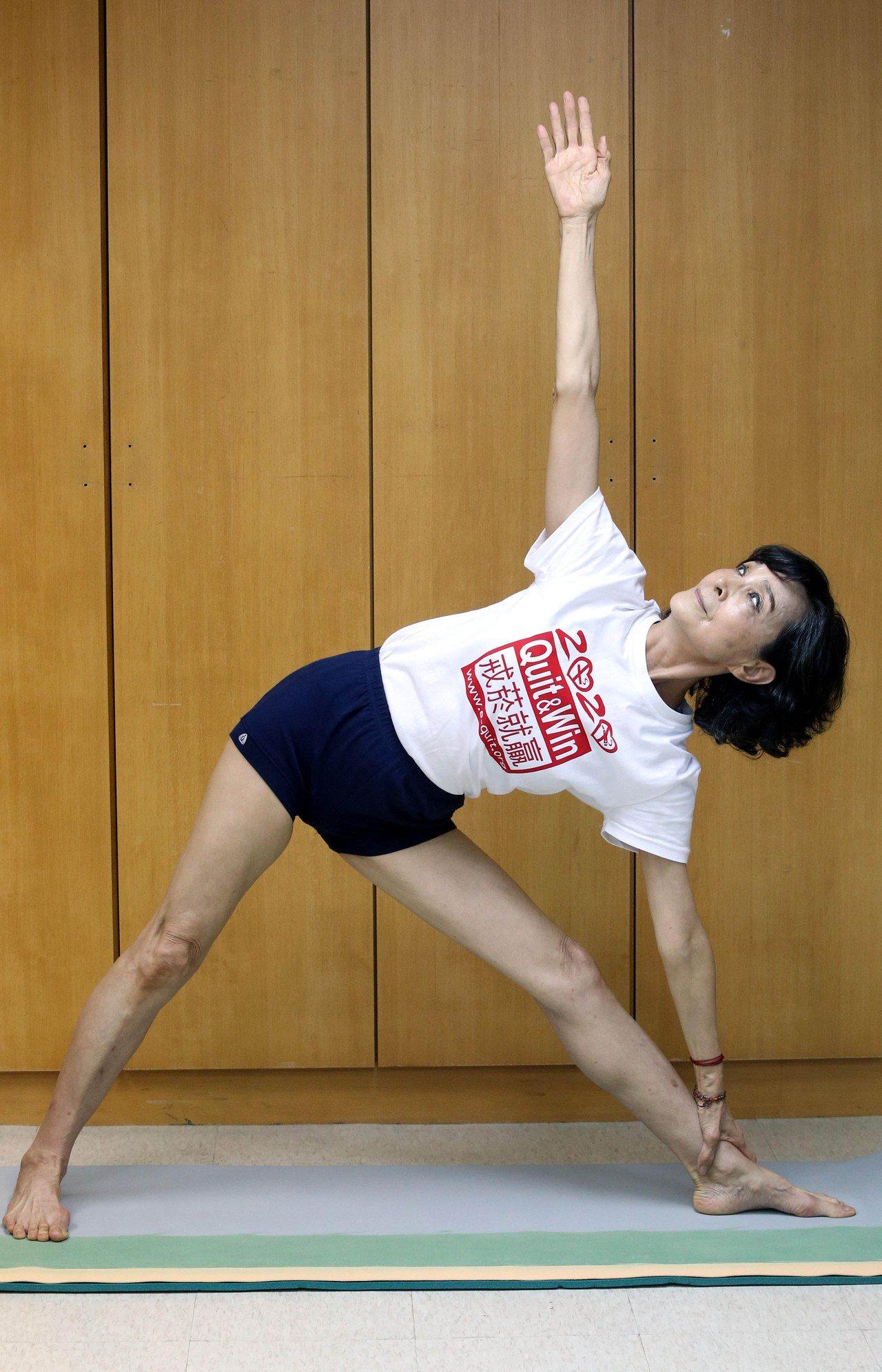 陳淑麗長期練瑜伽,依舊保持年輕時的身材。記者林俊良/攝影