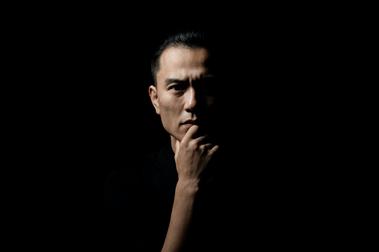 雲門藝術總監鄭宗龍:在最危險的時刻做好準備,趁燈都熄滅時,有個新的開始