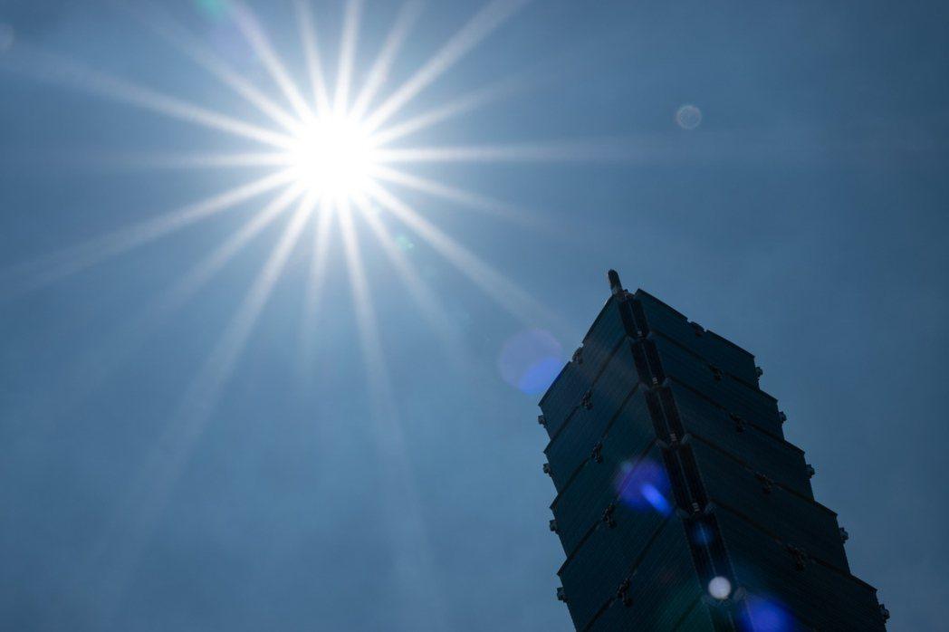 天氣仍晴朗酷熱。本報資料照片