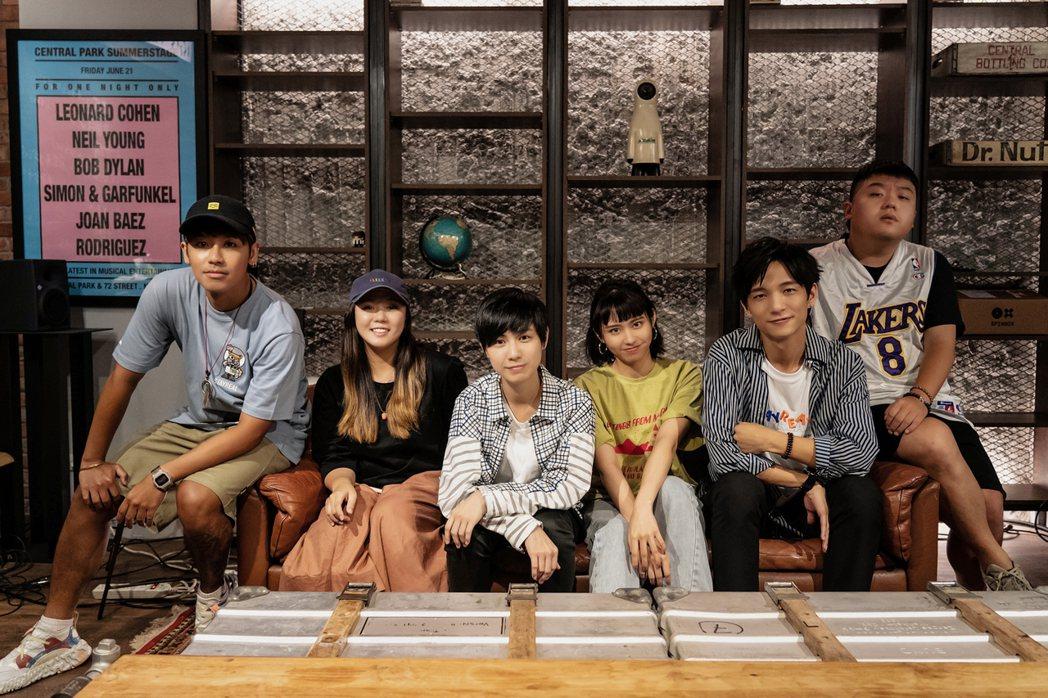 鼓鼓(左起)、魚乾、魏嘉瑩、李芷婷、黃奕儒和小納豆將攜手於「白日夢遊」演唱會演出