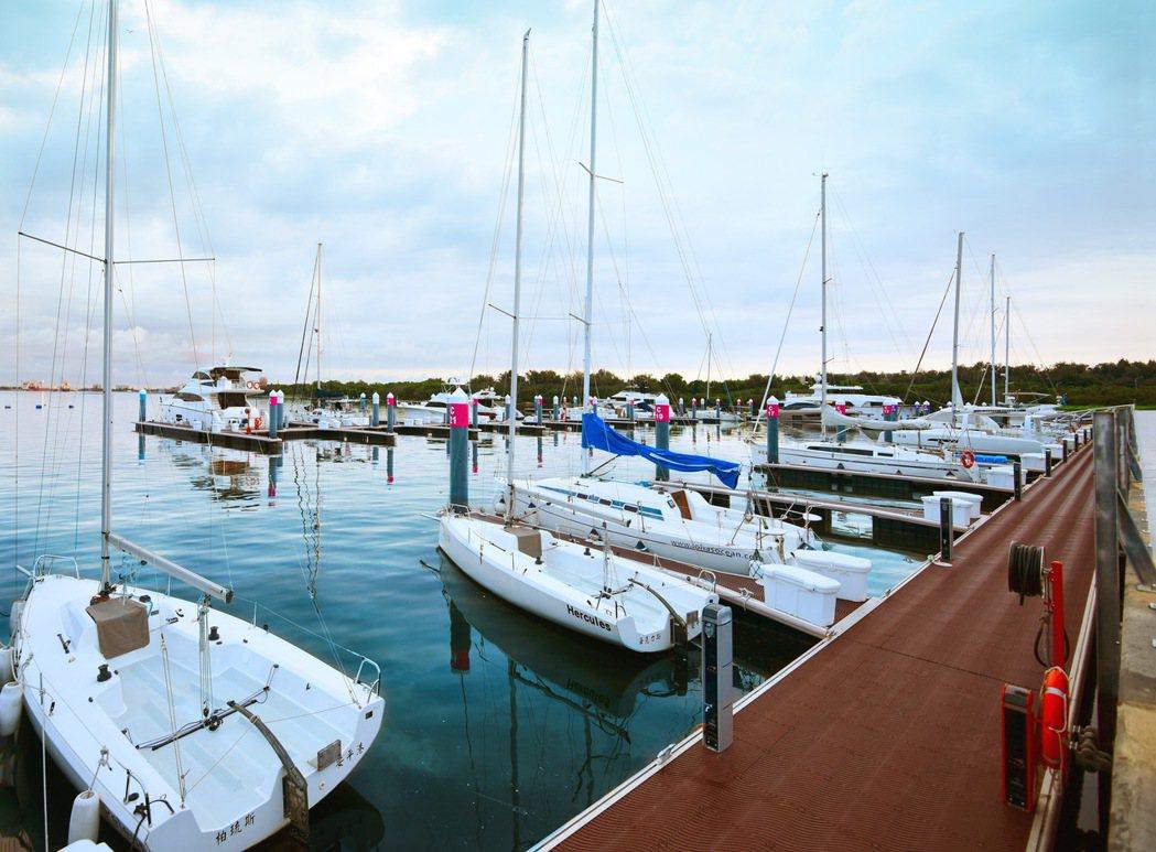 市政新灣區最大亮點「安平國際遊艇城」。圖片提供/興富發建設