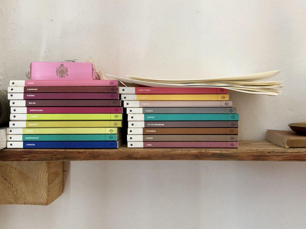 設計意見領袖的《Wallpaper City Guide》,口袋尺寸與簡潔設計深...