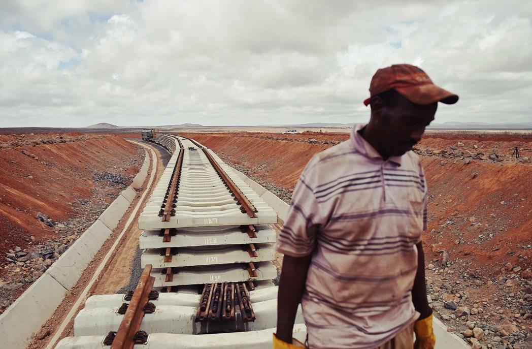 非洲之角的大國競爭環繞在吉布地。最令美國憂心的,是中國利用一帶一路推動的債務外交...