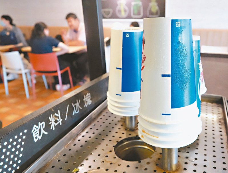 環保署指今年紙容器回收量暴增。記者潘俊宏/攝影