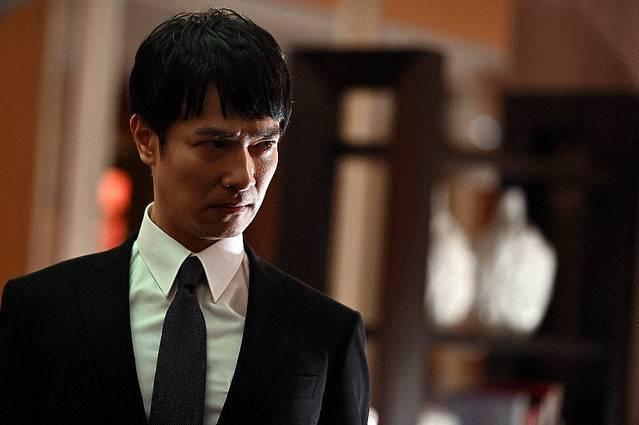 堺雅人第一集就被逼到變臉發飆。圖/摘自TBS