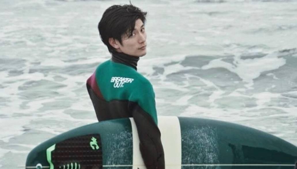 三浦春馬是衝浪愛好者。圖/摘自IG
