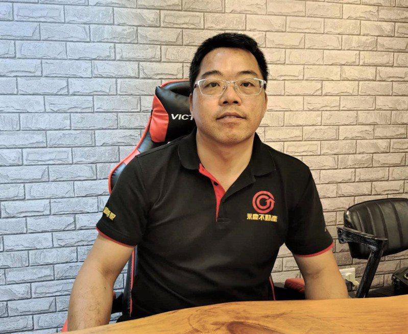 從事房仲業的郭誌蘭從基層業務員做起,現在自行創業成立房仲公司。 記者黃寅/攝影