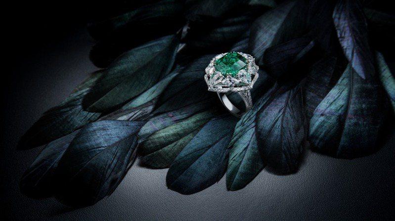 斐儷珠寶堅持美的設計,鑽石銀行提供具增值力和保值力的選擇。圖/斐儷珠寶提供