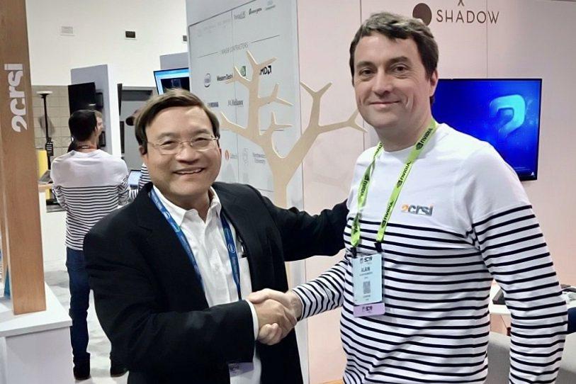 美超微共同創辦人廖益賢(左)加入2CRSi,右為2CRSi共同創辦人Alain ...
